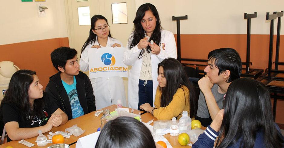 asociacion-cientifico-academica-de-estudiantes-de-medicina-realizo-taller-de-inyectables