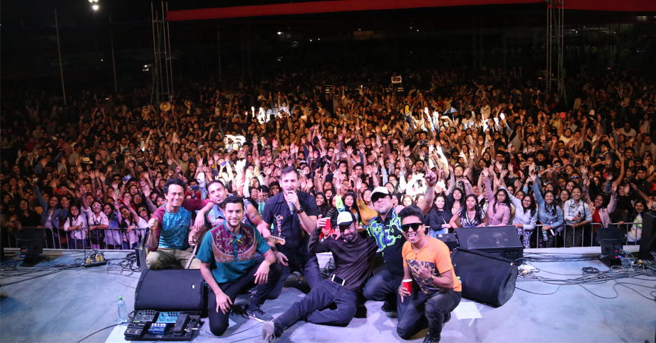 bareto-hizo-vibrar-a-ritmo-de-cumbia-peruana-a-santamarianos-en-festicatolica-2019