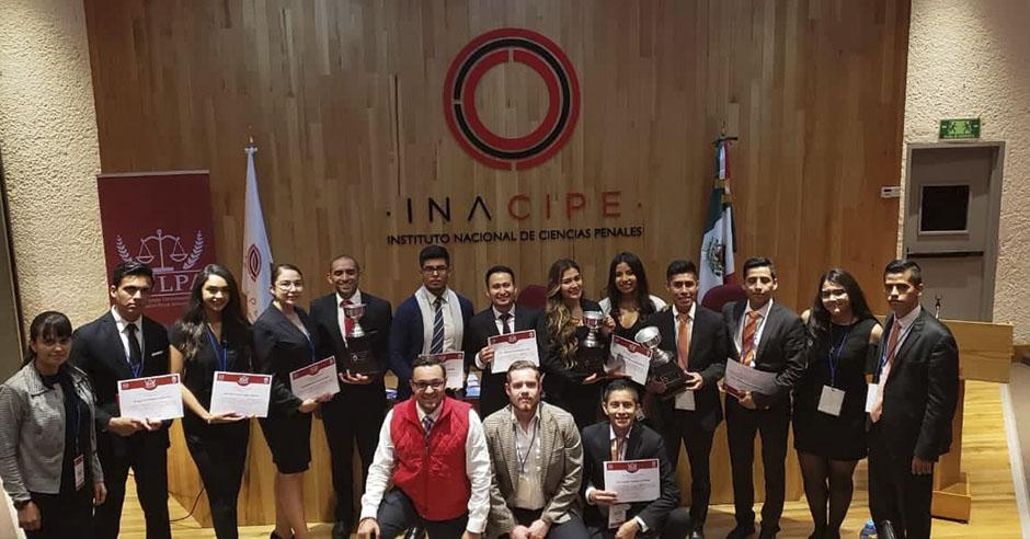 santamarianos-logran-el-tercer-lugar-en-competencia-internacional-de-litigacion-penal-en-mexico