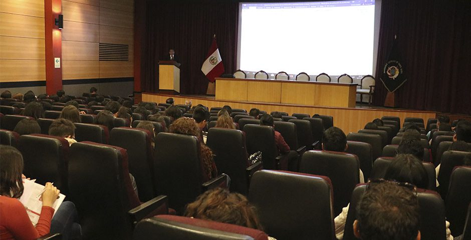 ucsm-brindara-a-estudiantes-de-universidades-no-licenciadas-informacion-sobre-traslado-y-continuidad-de-estudios-1