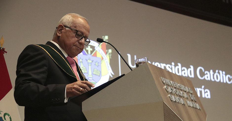 ucsm-cientifico-santamariano-es-incorporado-a-la-academia-peruana-de-farmacia-por-su-trayectoria-como-investigador-1