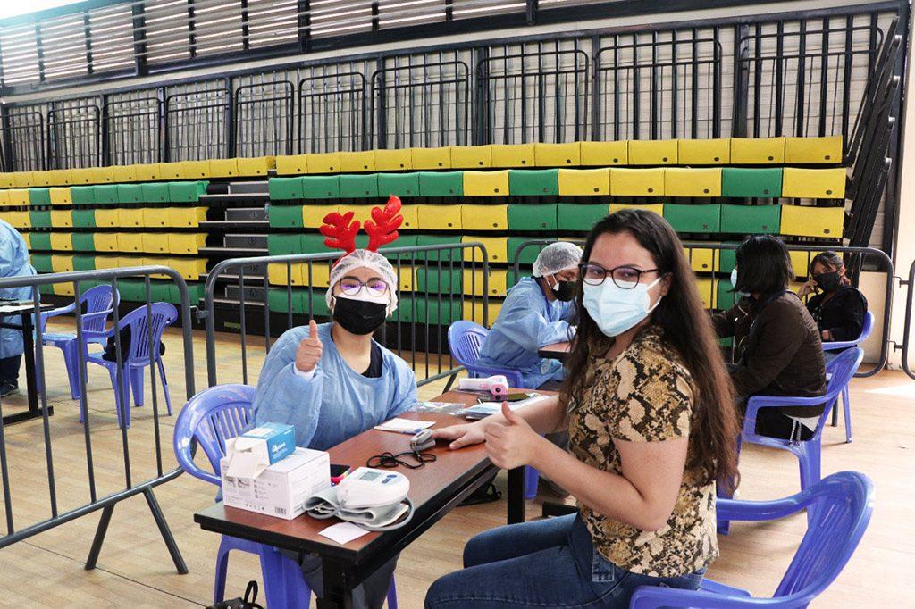ucsm-en-14-vacunatorios-del-coliseo-santa-maria-universitarios-recibieron-segunda-dosis-contra-el-covid-19-2
